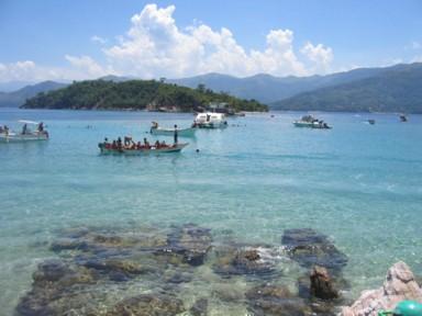 Playa la piscina isla de arapo edo sucre venezuela for La isla rascafria piscina natural